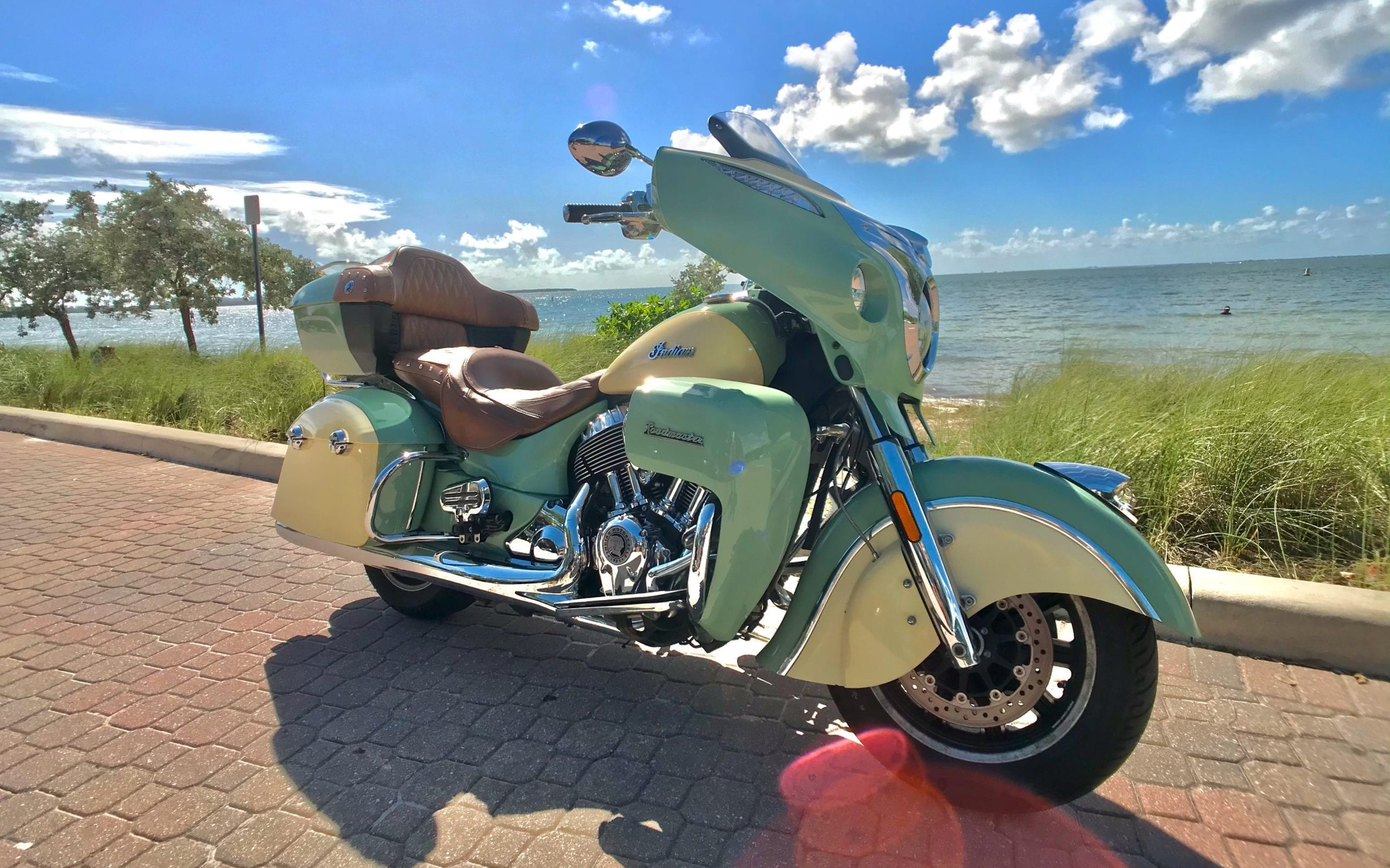 Indian Roadmaster Green Right Front